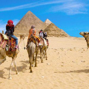 Pyramids Tour from Soma Bay
